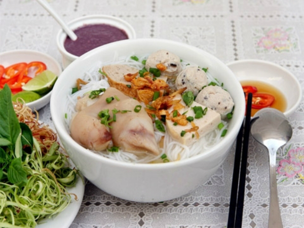 Bun (rice vermicelli), the origin for many Vietnamese delicious dishes
