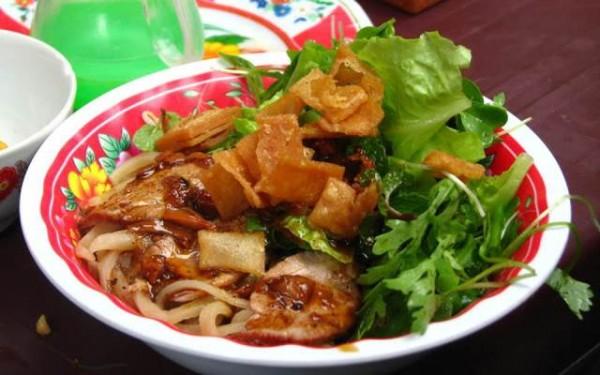 Cao lau Hoi An (Hoi An vermicelli)