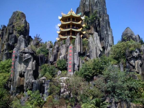 Enjoy beauty scenery from Ngu Hanh Son