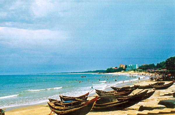 Nhat Le beach – a fascinating seaside landscape