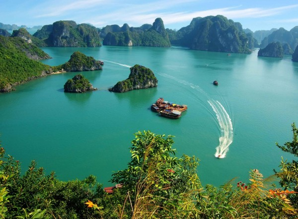 7-days-to-explore-mountains-bay-in-vietnam-up-north