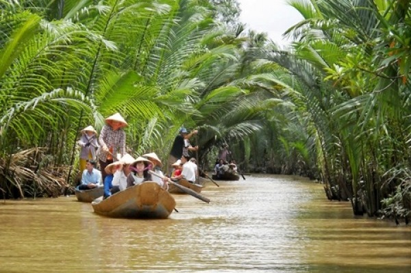 MEKONG DELTA PRIVATE DAY TOUR - EXPLORE CRAFTING VILLAGES IN MEKONG DELTA