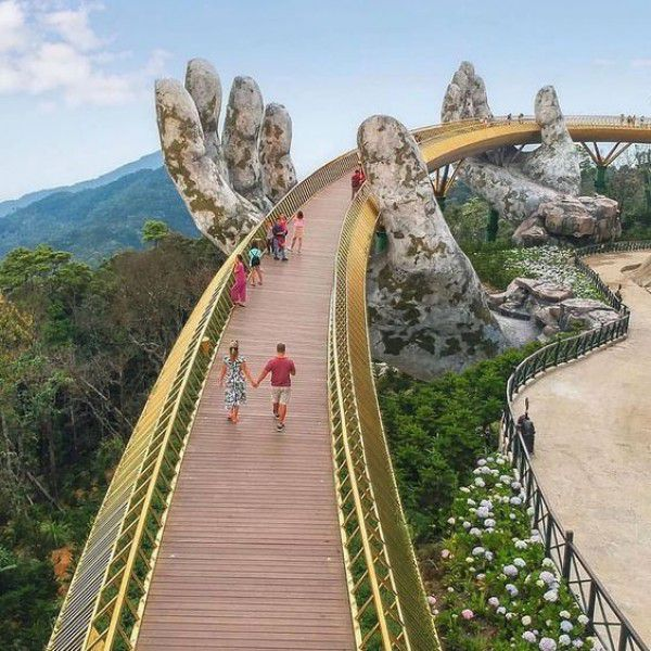 DA NANG - GOLDEN BRIDGE- BA NA HILLS - HUE - HOI AN PACKAGE TOUR 5D4N