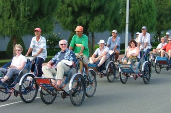 HA NOI CYCLO & STREET FOOD WALKING TOUR