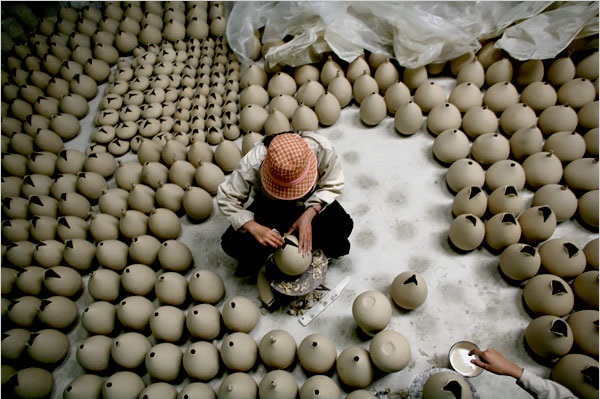 explore-bat-trang-ceramic-dong-ky-carpentry-villages