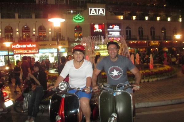 spirit-of-hanoi-city-night-lights-on-wheels