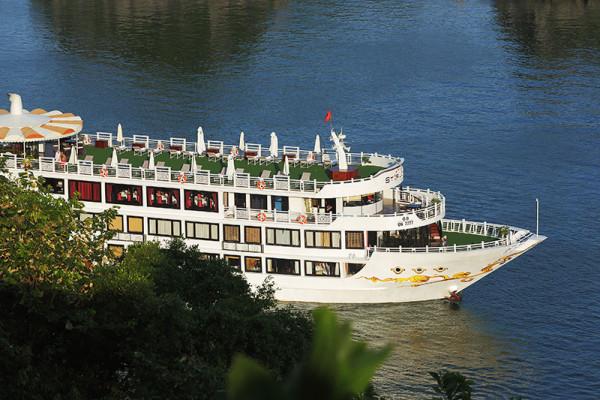 ha-long-bay-on-starlight-cruise-5-tour