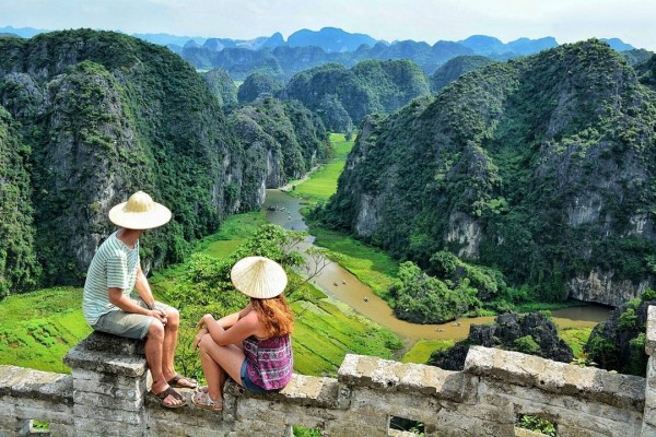 HA NOI -  HA LONG BAY - TAM COC - NINH BINH 5 DAYS 4 NIGHTS PACKAGE TOUR