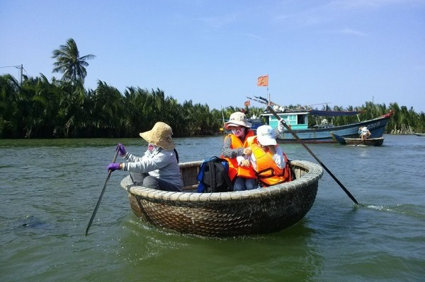 HOI AN COCONUT PALM TOUR WITH CORACLE