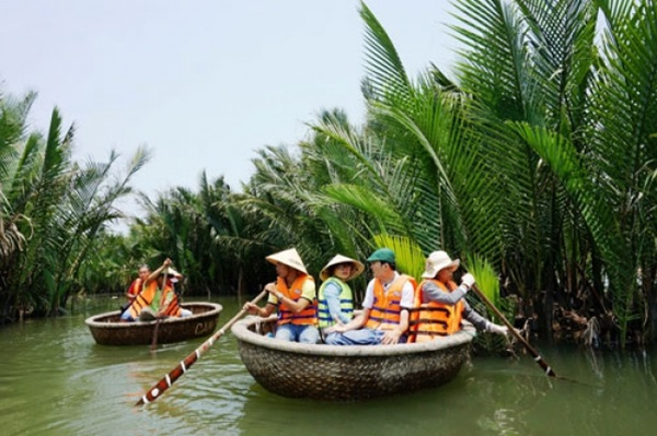 explore-culture-with-coracle-half-day-tour